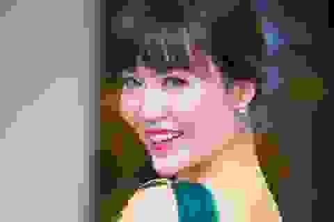 Hoa hậu Thu Thủy trẻ trung ngỡ ngàng