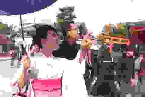 """Miko Lan Trinh bất ngờ """"kết hôn"""" tại Nhật Bản"""