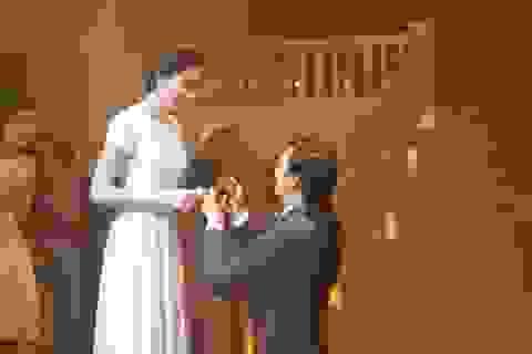 Nhan Phúc Vinh ngỏ lời cầu hôn biểu tượng thanh lịch Việt