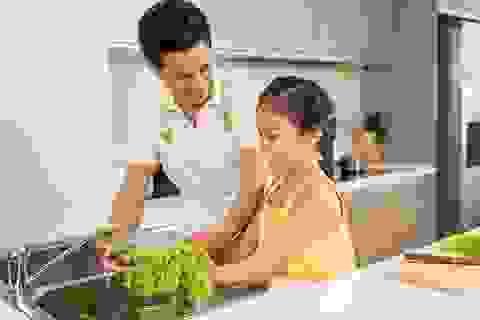 """Những """"cái được"""" không ngờ khi đàn ông… vào bếp"""