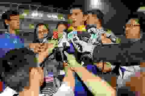HLV Kiatisuk tuyên bố sẽ hạ gục đội tuyển Việt Nam trên báo Thái Lan