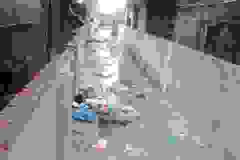 """Hà Nội: Xem xét dỡ bỏ một phần bức tường """"zích zắc mềm mại"""" ở phường Kim Mã"""