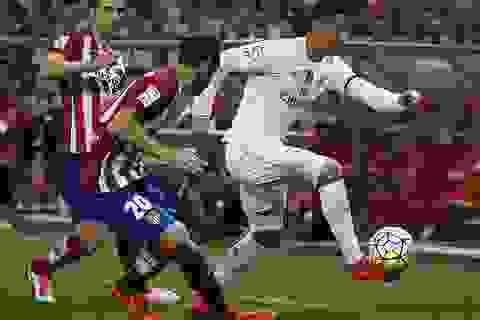 """Real Madrid và Atletico """"bất phân thắng bại"""" tại Vicente Calderon"""