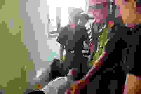 Xử vụ giết người rúng động tại Quảng Trị: Phiên tòa trì hoãn do bị cáo ngất xỉu