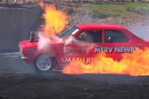 """""""Đốt lốp"""" - Đừng đùa với lửa!"""