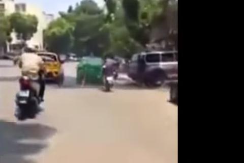 """[Video] 10 phút truy đuổi nghẹt thở taxi """"điên cuồng"""" bỏ chạy trên phố"""