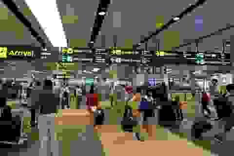Bị từ chối nhập cảnh Singapore, phải trả phí cho hãng hàng không