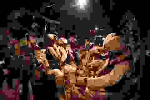 Cận cảnh thủy quân lục chiến Mỹ sơ tán các đại sứ quán