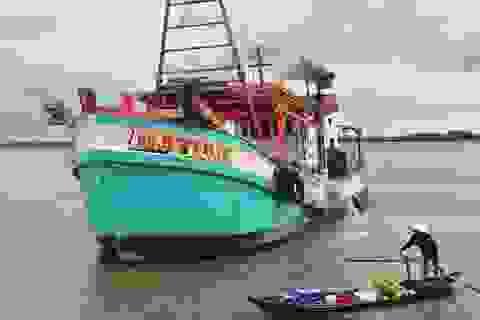 Một tàu bị khống chế đưa về vùng biển Thái Lan, ngư dân bị đánh, cướp