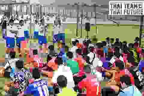 """Cách tuyển quân cực """"dị"""" của U19 Thái Lan"""