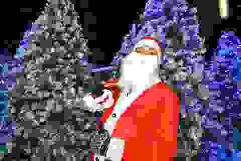 "Độc đáo ""tuyết rơi"" giữa… Sài Gòn"