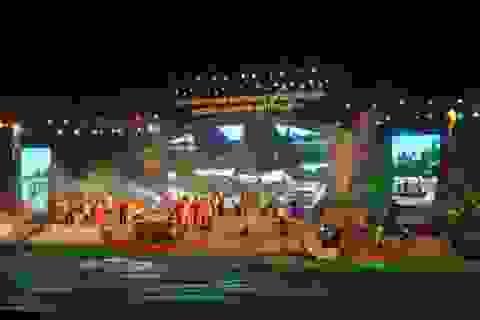 Long trọng Kỷ niệm 250 năm sinh Đại thi hào Nguyễn Du