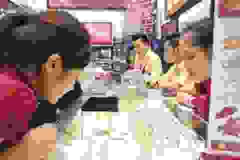 Giá vàng lại tăng mạnh gần 1 triệu đồng/lượng