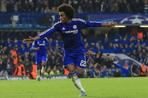 Willian biến sút phạt thành vũ khí đáng sợ nhất của Chelsea