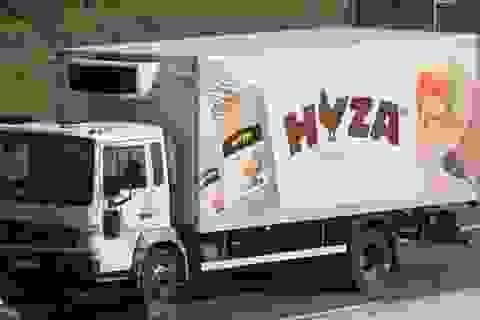 Cứu sống 3 em nhỏ trong chiếc xe tải chở người di cư ở Áo