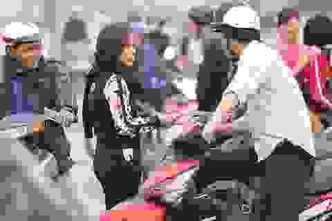 Vé chợ đen trận Việt Nam-Indonesia tiếp tục tăng chóng mặt