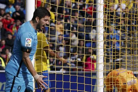 Suarez và Neymar ghi bàn, Barcelona hạ gục Las Palmas
