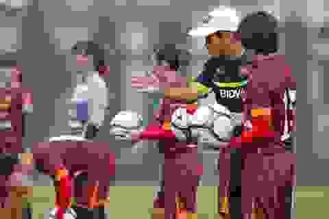 HLV Mai Đức Chung gọi cầu thủ Việt kiều Mỹ lên tuyển nữ Việt Nam