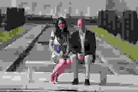 Vợ chồng Hoàng tử William thăm đền tình yêu Taj Mahal