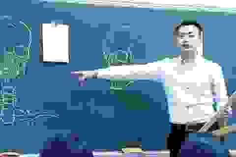 """Dân mạng """"phát cuồng"""" với thầy giáo đẹp trai, vẽ đẹp"""