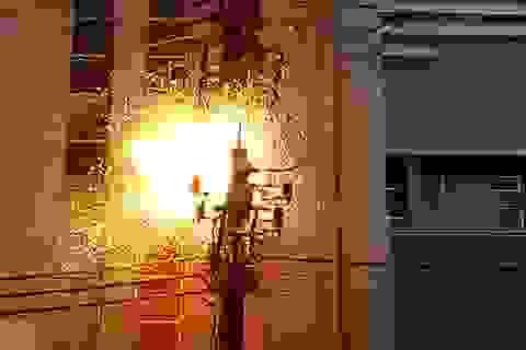 Brazil: Bị giật chết khi trèo lên cột điện nghe Tổng thống phát biểu