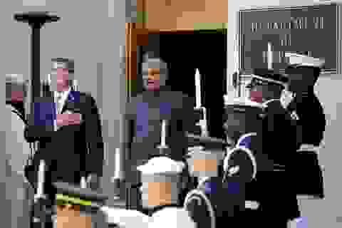"""Mỹ ký thỏa thuận quân sự với Ấn Độ, """"nắn gân"""" Trung Quốc ở Biển Đông"""