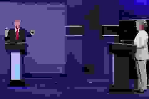 """Trump, Clinton """"ngó lơ"""" nhau trước khi tranh luận lần cuối"""