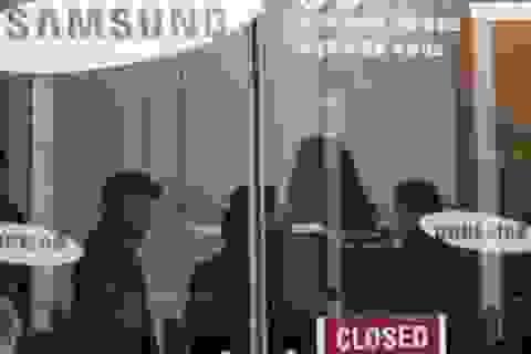 """Bê bối """"bạn thân"""" Tổng thống Hàn: Văn phòng Samsung bị đột kích"""