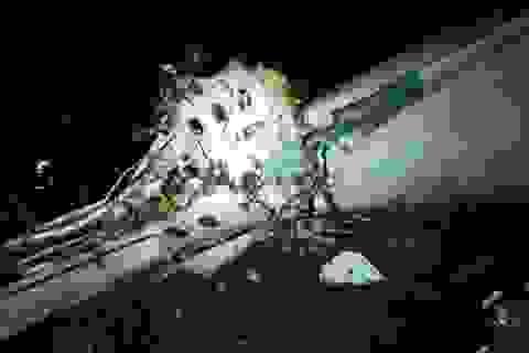 Máy bay chở đội bóng Brazil rơi ở Colombia, 76 người chết