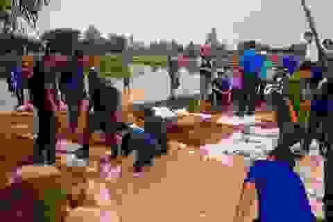"""Lũ lụt chưa qua, Bình Định lại """"sốt vó"""" lo bão số 10"""