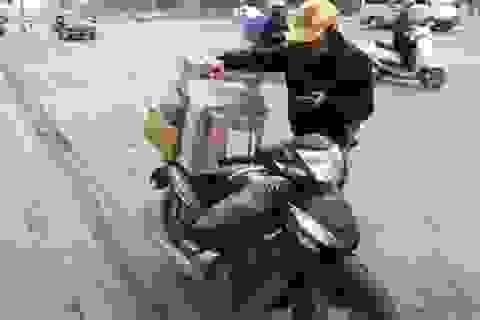"""""""Nghề Shipper"""": Rong ruổi cả ngày trên đường, rủi ro không thể tính trước"""
