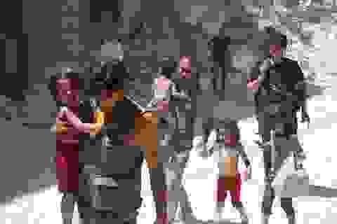 Người dân Syria bắt đầu chạy thoát khỏi chiến trường Aleppo
