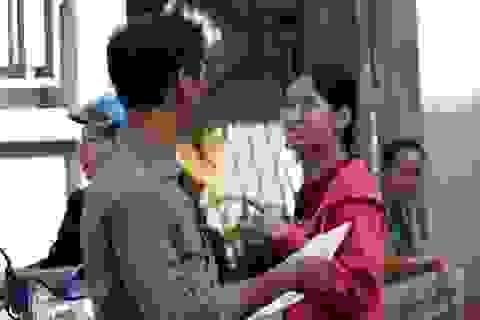 Cảm phục tấm gương những thí sinh giàu nghị lực trong kỳ thi THPT quốc gia