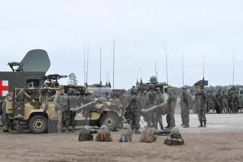 """1.500 binh sỹ NATO tập trận quân sự """"Brilliant Jump 2016"""""""