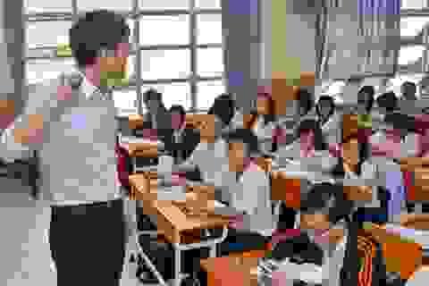 Chứng khàn tiếng đe dọa thầy cô giáo