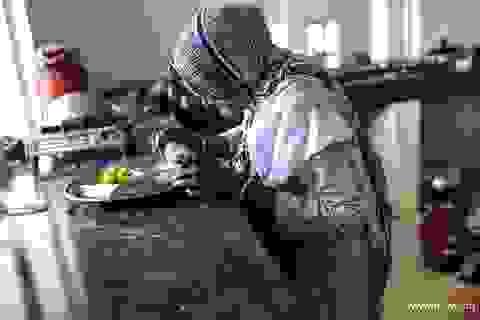 """Cuộc sống bên trong """"thành phố góa phụ"""" ở Ấn Độ"""