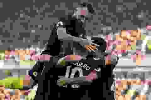 Aguero tỏa sáng, Man City ngược dòng thắng Burnley
