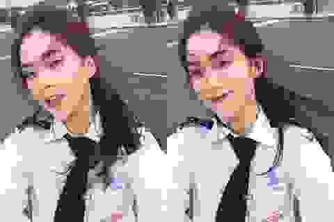 Nữ sinh hàng không xinh đẹp như hot girl