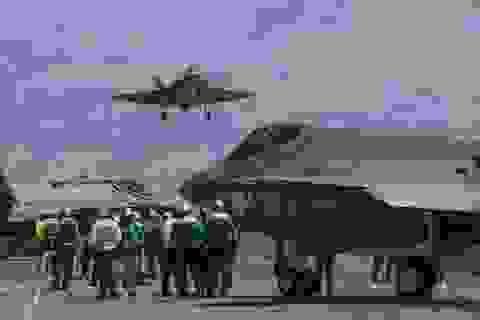 """Mỹ có thể đưa F-35 tới Biển Đông """"nắn gân"""" Trung Quốc?"""