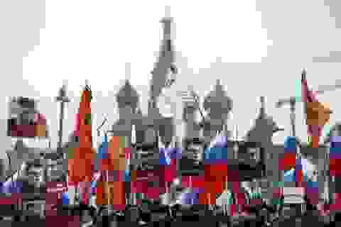 """Putin huy động cả quân đội-FSB chống """"Mùa xuân nước Nga"""""""