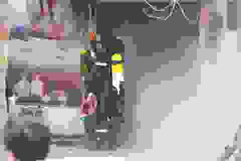 Khói lửa nghi ngút tại hàng spa trong khu chung cư Giảng Võ