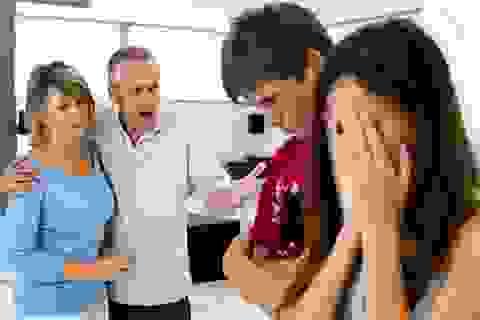 """Con dâu cấm cửa mẹ chồng vì """"tội"""" không trông cháu"""