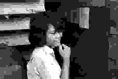 Ký ức Việt Nam từ cuốn album bọc da màu mận chín