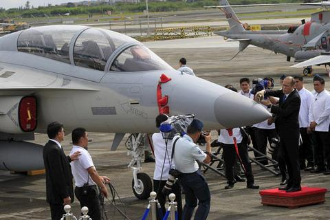 Philippines tăng tốc trữ vũ khí ứng phó Trung Quốc