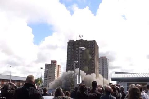 Xem đánh sập ba tòa cao ốc trong tích tắc
