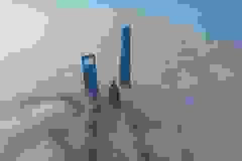 """Khi tòa nhà chọc trời bị biển mây """"nuốt chửng"""""""