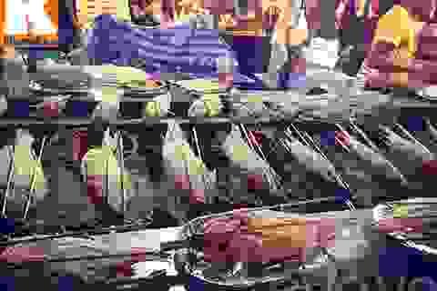 """Những món không thể bỏ qua ở chợ đêm """"hot"""" nhất nhì Bangkok"""