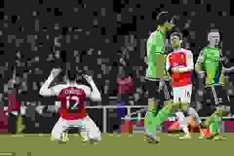 Hòa nhạt Southampton, Arsenal mất vị trí thứ 3