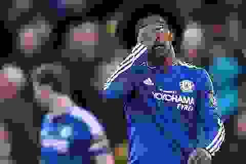 """""""Người cũ"""" của MU giúp Stoke cầm chân Chelsea"""