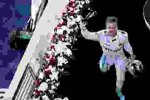 """Nico Rosberg """"vô tình"""" thắng dễ tại Sakhir"""
